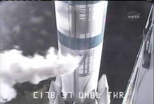 Raketa Delta II s družicí Kepler krátce před startem.
