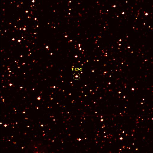 Hvězda TrES-2 na fotografii z družice Kepler. Credit: NASA