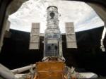 Tato fotografie byla pořízena posádkou raketoplánu Atlantis během mise STS-125 k Hubblovu dalekohledu. Redakce webu exoplanety.cz nedisponuje žádnou informací, že by se v okolí raketoplánu v té době pohyboval zástupce jakékoliv české firmy, který by mohl stejný nebo podobný snímek pořídit. Autorem této fotografie a držitelem veškerých práv v celé Galaxii je NASA, NASA a nikdo jiný než NASA.
