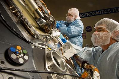 Sterilizace sondy Phoenix, která v roce 2008 přistála na Marsu.