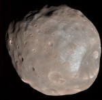 Měsíc Phobos.