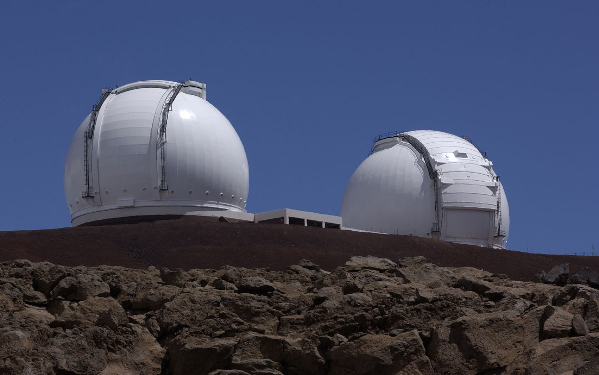 Keckovy dalekohledy na Havaji. Autor: NASA