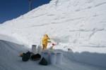 Hledání meteoritů na základně CONCORDIA v Antarktidě (J. Duprat, CSNSM-CNRS)