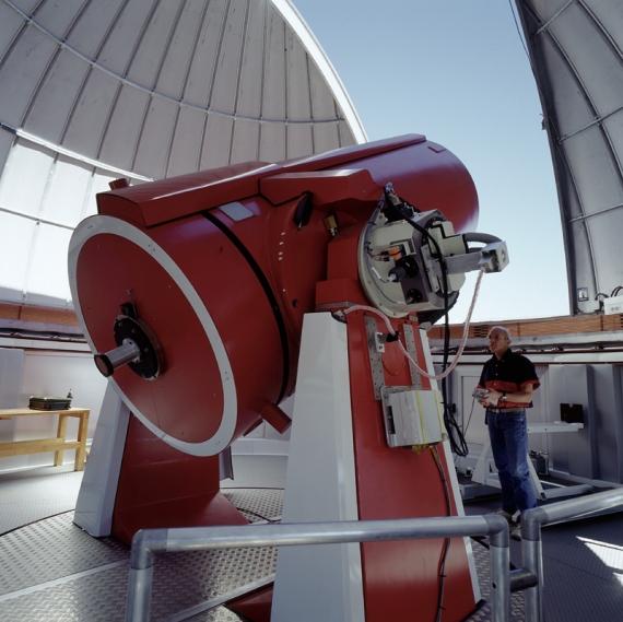 Dalekohled Leonarda Eulera při práci na observatoři La Silla v Chile