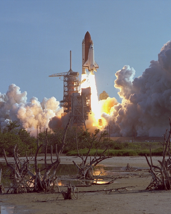 První start Discovery (STS-41-D) dne 30. srpna 1984.