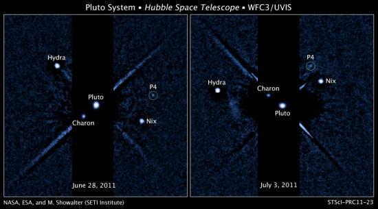 Tři známé měsíce Pluta a jeden nově objevený (P4) na snímku z Hubblova dalekohledu. Credit: NASA, ESA, and M. Showalter (SETI Institute)