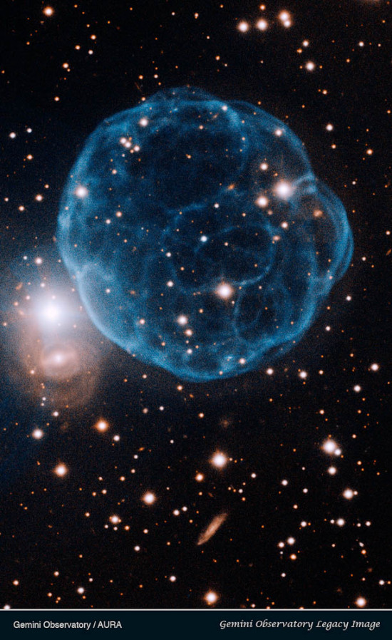 Planetární mlhovina 61 Kn na snímku z dalekohledu Gemini. Credit: Gemini Observatory/AURA