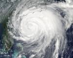 Hurikán Irene v pátek ve 20:05 našeho času. Credit: NOAA, NASA