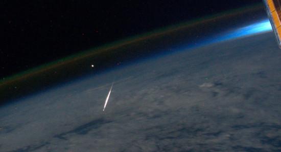 Perseida z paluby Mezinárodní kosmické stanice. Credit: NASA