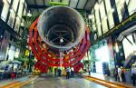 Švýcarský sponzor - firma CERN, která se zabývá výrobou podzemního potrubí.