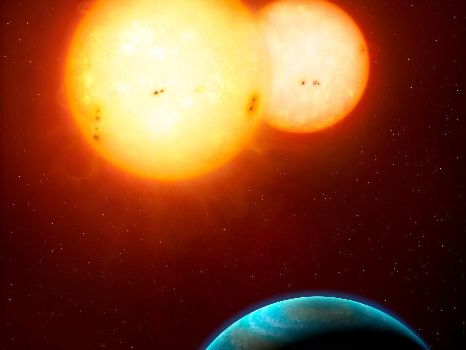 Systém Kepler-35 v představách malíře. Credit: © Mark A. Garlick / space-art.co.uk