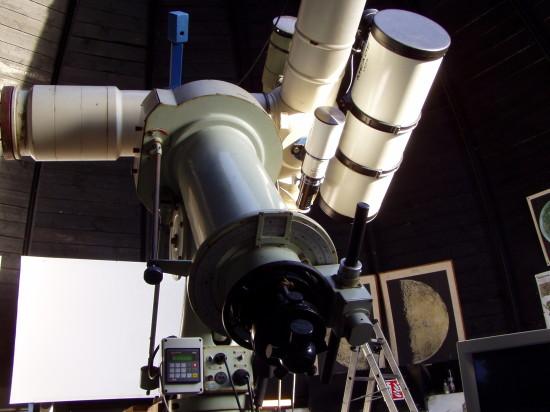 Část přístrojového vybavení hvězdárny