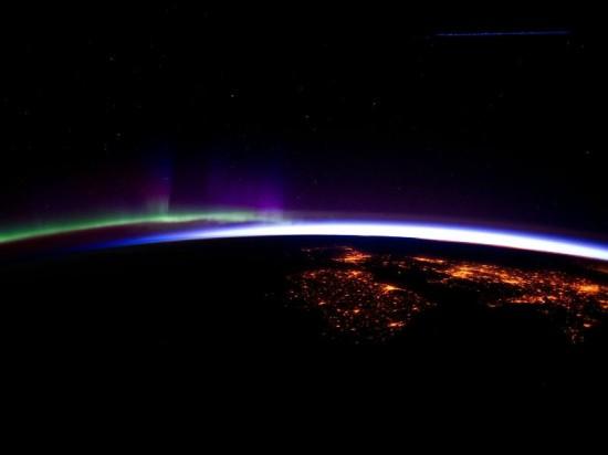 Polární záře z ISS. Credit: NASA