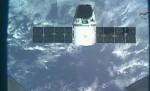 Dragon přilétá k ISS. Credit: NASA