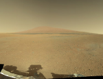 Mount Sharp na snímku z Curiosity. Credit: NASA, JPL