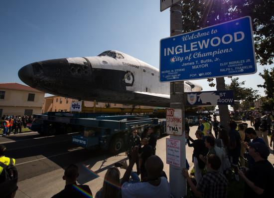 Endeavour v LA. Credit: NASA