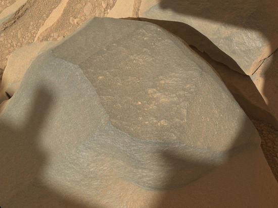 Hladký kámen na Marsu