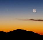 Kometa PANSTARRS a Měsíc. Autor: Brian Klimowski