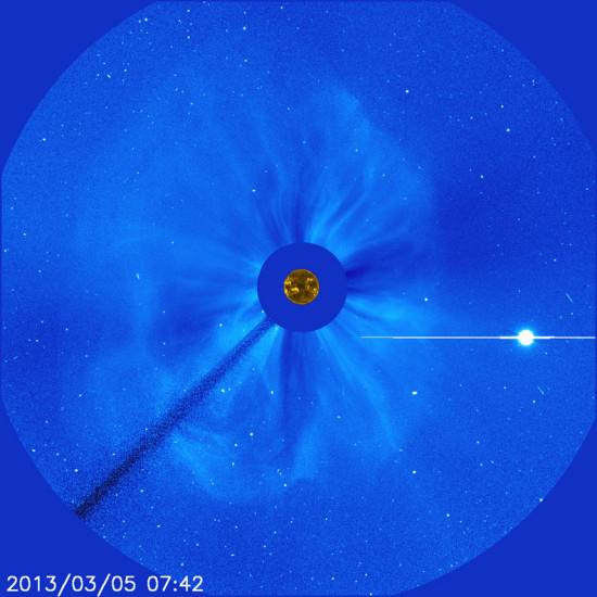 Únik koronální hmoty a Venuše v koronografu SOHO. Credit: NASA