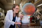 """Nejen model exoplanety je na této fotce """"hot"""". Credit: NASA"""