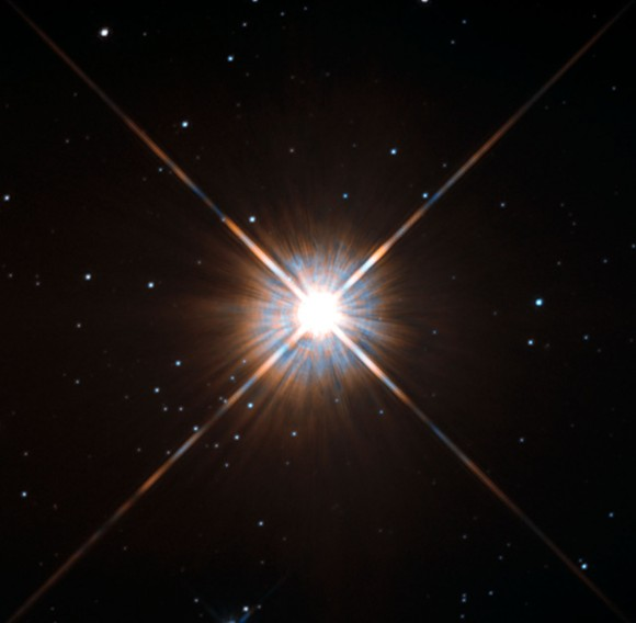 Proxima Centauri na snímku z Hubblova dalekohledu. Credit: NASA, ESA