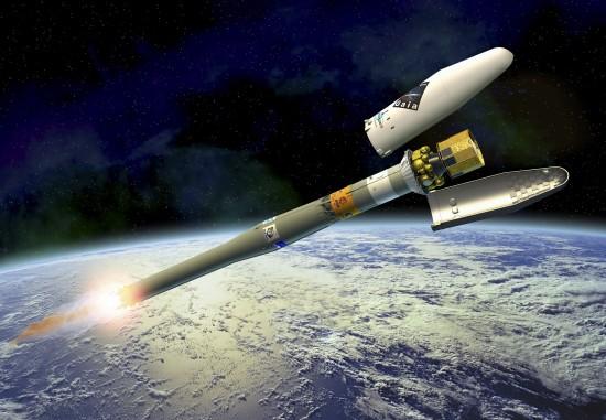 Odhození aerodynamického štítu během startu rakety Sojuz/Fregat s družicí GAIA (kresba). Credit: ESA