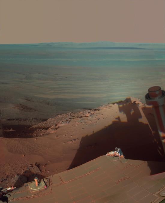Odpoledne na Marsu poblíž kráteru Endeavour.