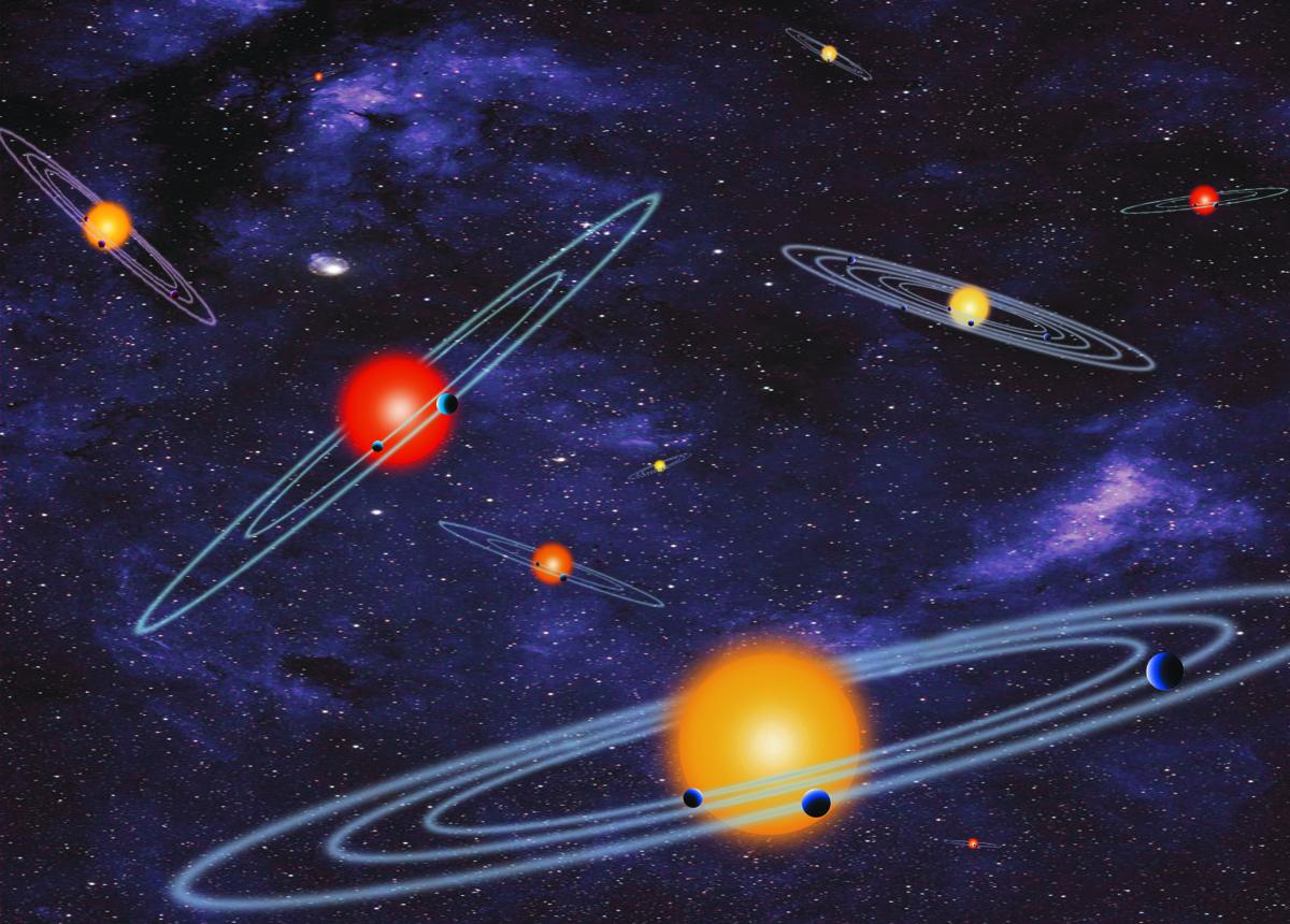 Jsou to 2/3 toho, co bylo objeveno za téměř 20 let. Svět exoplanet se zítra ráno s trochou nadsázky probudí do zcela jiného světa. Lidé okolo Keplera totiž potvrdili existenci 715 exoplanet, čímž jejich počet zvýšili o zhruba 70%. První planeta mimo Sluneční soustavu byla objevena v roce 1992, respektive 1995. Nové exoplanety obíhají kolem 305 hvězd a v souladu s dřívějšími analýzami kandidátů se povětšinou jedná o planety typu Neptun a super-země. Je však nutné zmínit, že potvrzení kandidátů neproběhlo měřením radiálních rychlostí ani pomoci změn v časech tranzitů ve vícenásobných systémech ale spíše díky pravděpodnosti. Čtyři z nových planet jsou menší než 2,5 poloměrů Země a obíhají v obyvatelné oblasti. K tématu se ještě tento týden vrátíme v podrobnějším článku.