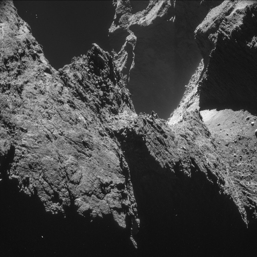 hq-photos-by-rosetta-and-philae-7