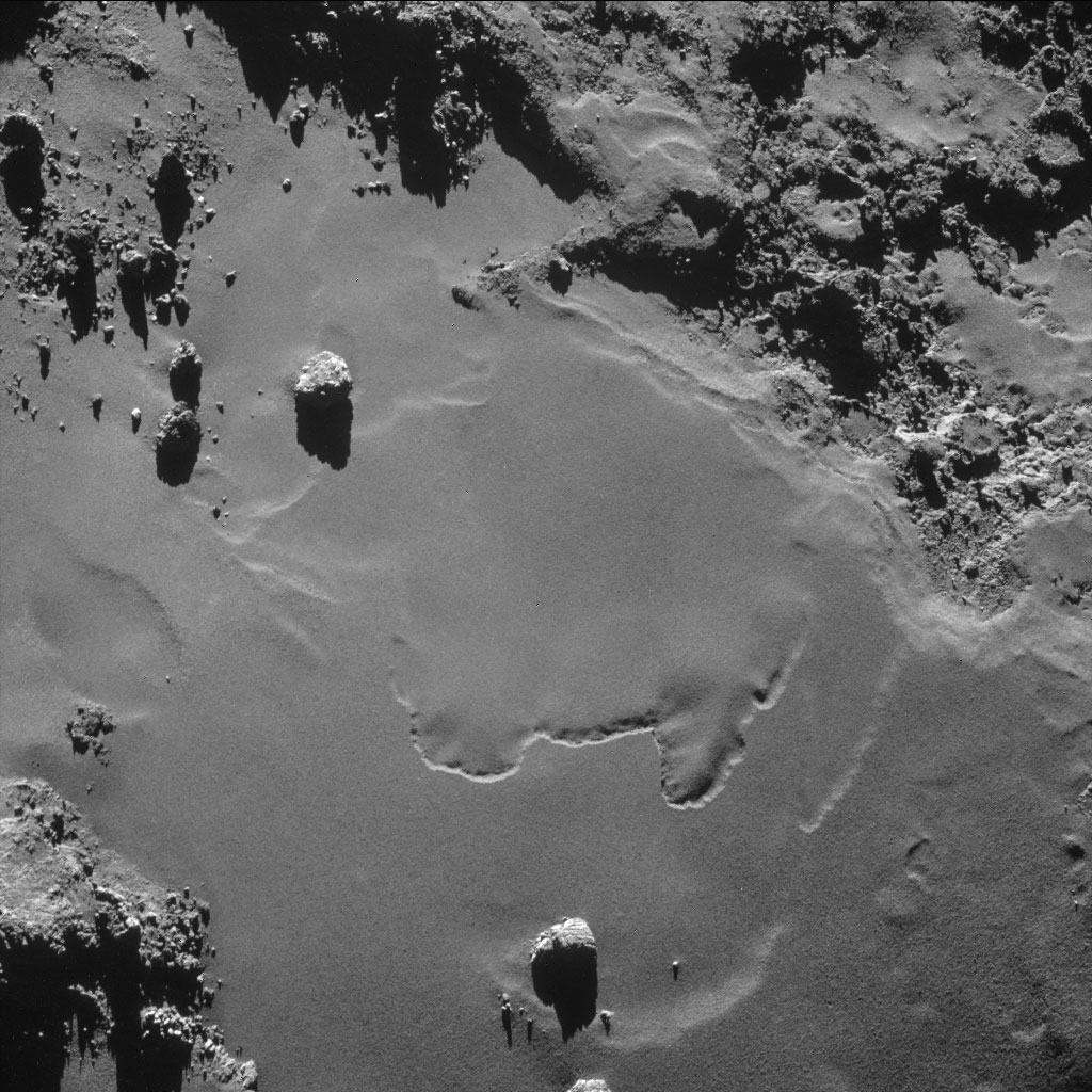 hq-photos-by-rosetta-and-philae-8