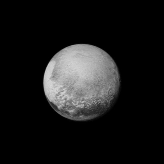 Tenhle snímek pochází ještě ze vzdálenosti 800 tisíc km.