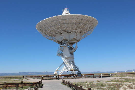 Jedna z antén v Karl G. Jansky Very Large Array, foto: Wikipedia, CC BY-SA 3.0