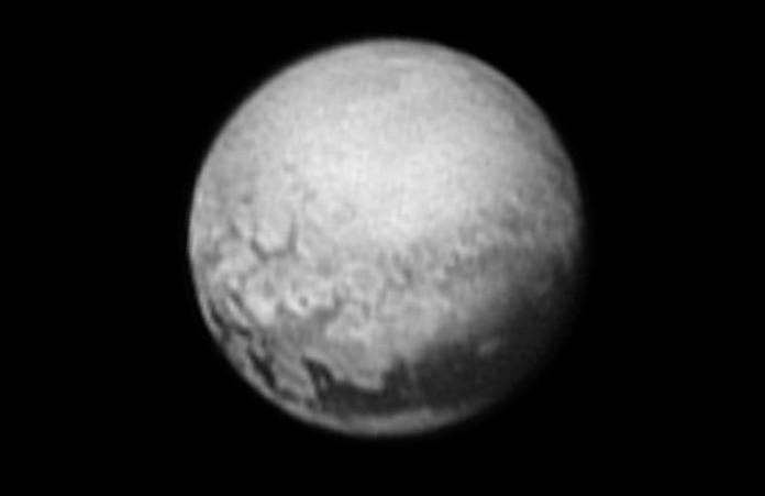 Pluto na snímku z New Horizons. Foto: NASA