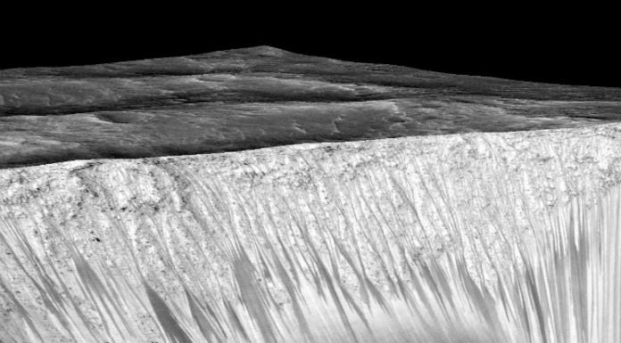 RSL na Marsu, Credit: NASA/JPL/University of Arizona