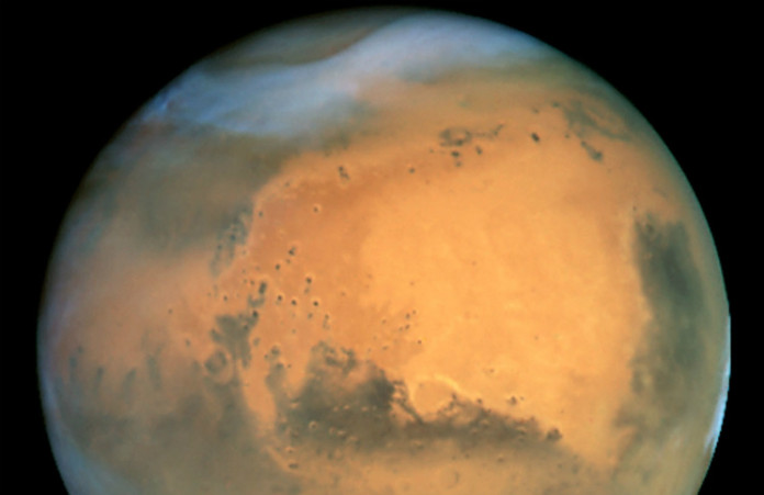 Mars na snímku z Hubblova dalekohledu. Credit: NASA and The Hubble Heritage Team (STScI/AURA)