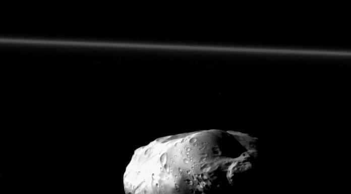 86 km velký měsíc Prometheus
