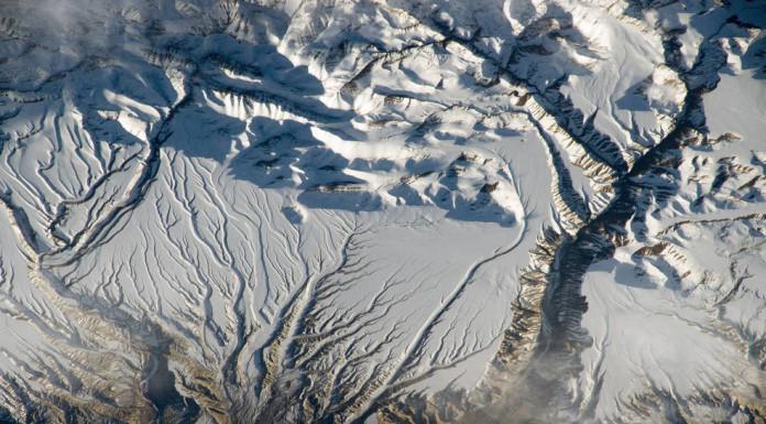 Zasněžené Himálaje v Číně a Indii