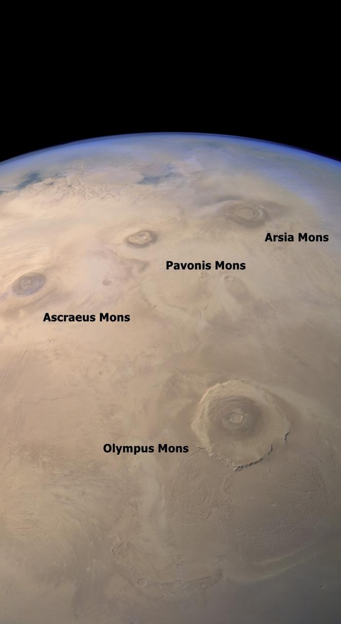 Sopky na Marsu okem přístroje HRSC na sondě Mars Express. Po kliknutí se otevře obrázek bez popisků. Credit: ESA / DLR / FU Berlin / Justin Cowart