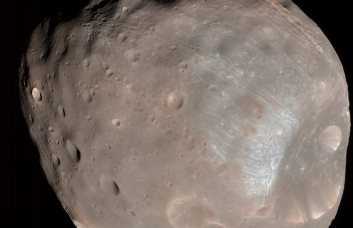 Phobos, credit: NASA/JPL-Caltech/University of Arizona