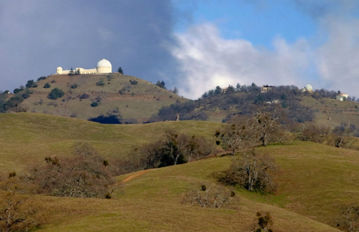 Lick Observatory, credit: Sean O'Flaherty, CC BY-SA 2.5, Wikipedia