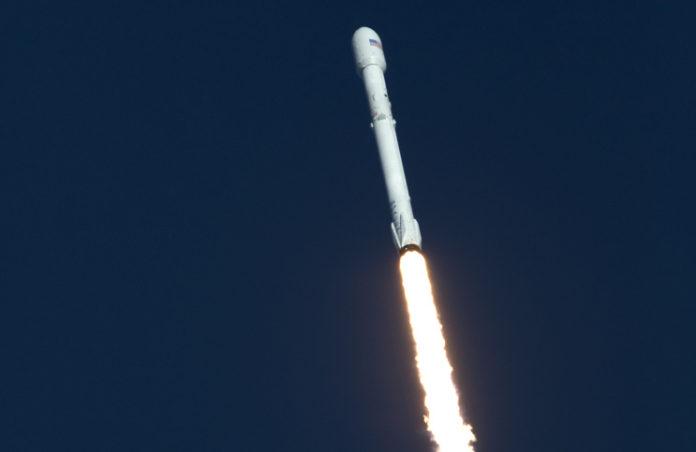Start rakety Falcon 9 od SpaceX s družicí TESS 18. dubna 2018. Credit: NASA